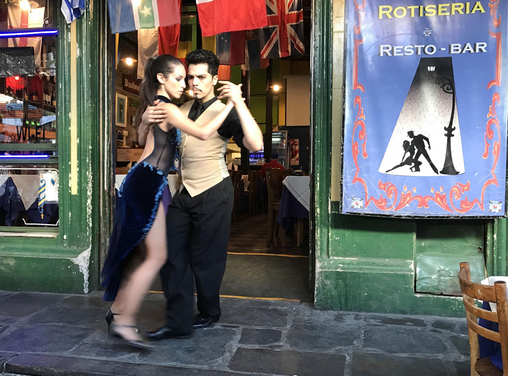 La-Boca Tango Dancing Buenos Aires