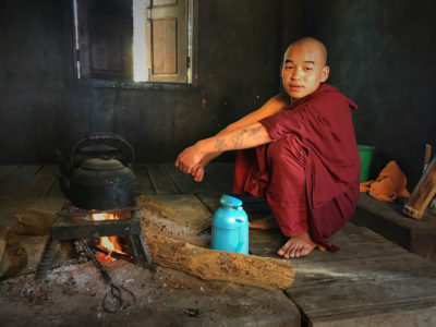 15-Young-Monks-Making-Tea-IMG_6342_Fotor