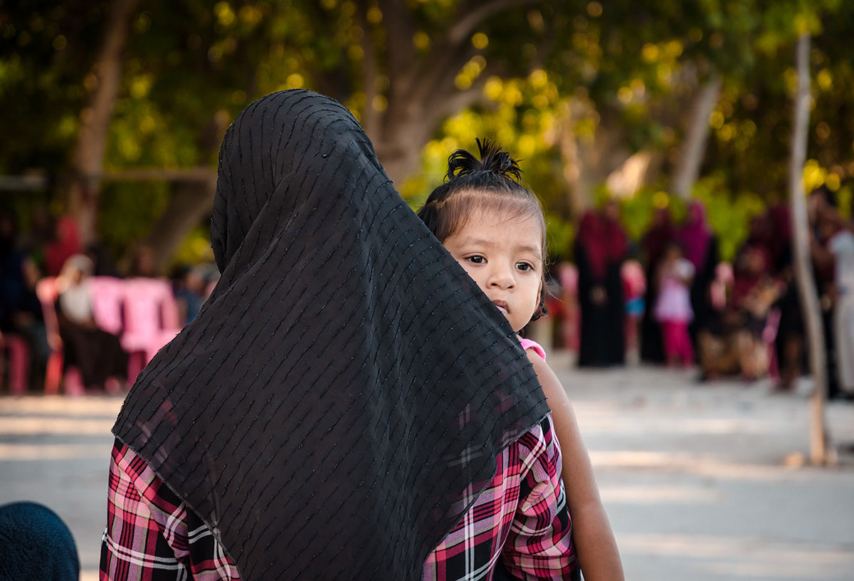 Mother and Daughter - Dhigurah