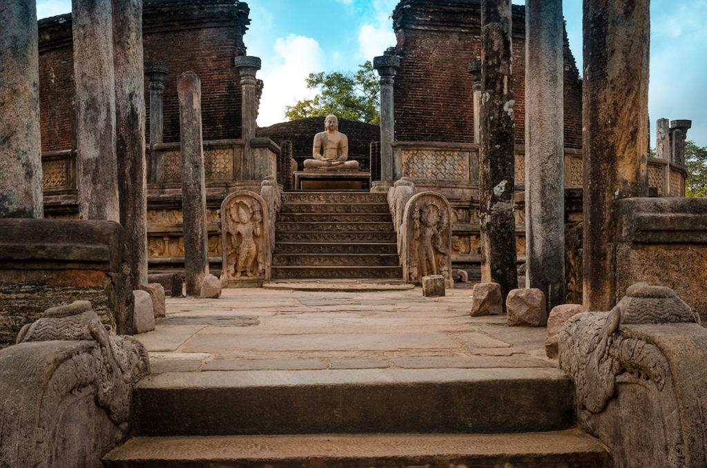 Potgul Vehera ruins - Pollonnaruwa