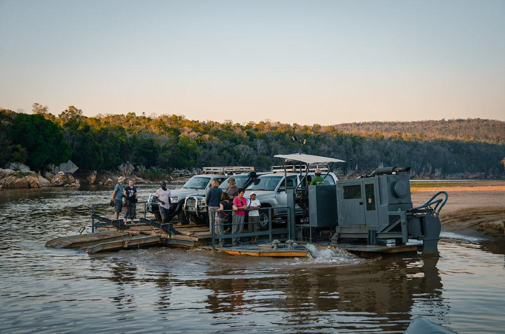 Bekopaka Ferry