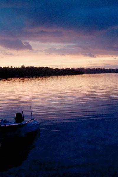32-Vonavona-Lagoon-Boat-at-Sunset-DSC_2526_Fotor
