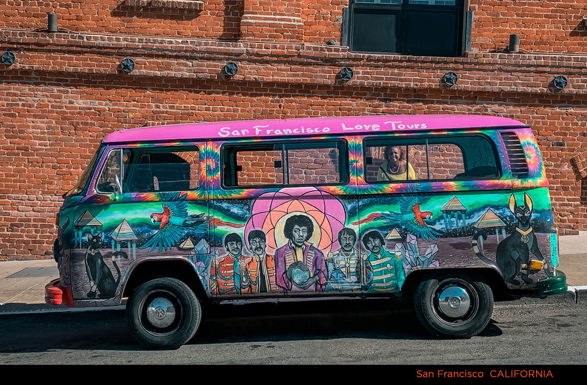 1–Psychedelic-Bus-IMG_5012-WITH-TITLE_Fotor