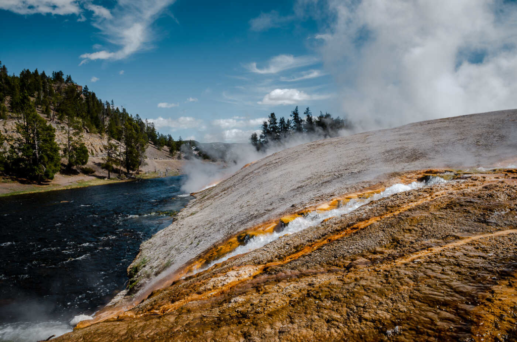 Firehole River - Midway Geyser Basin